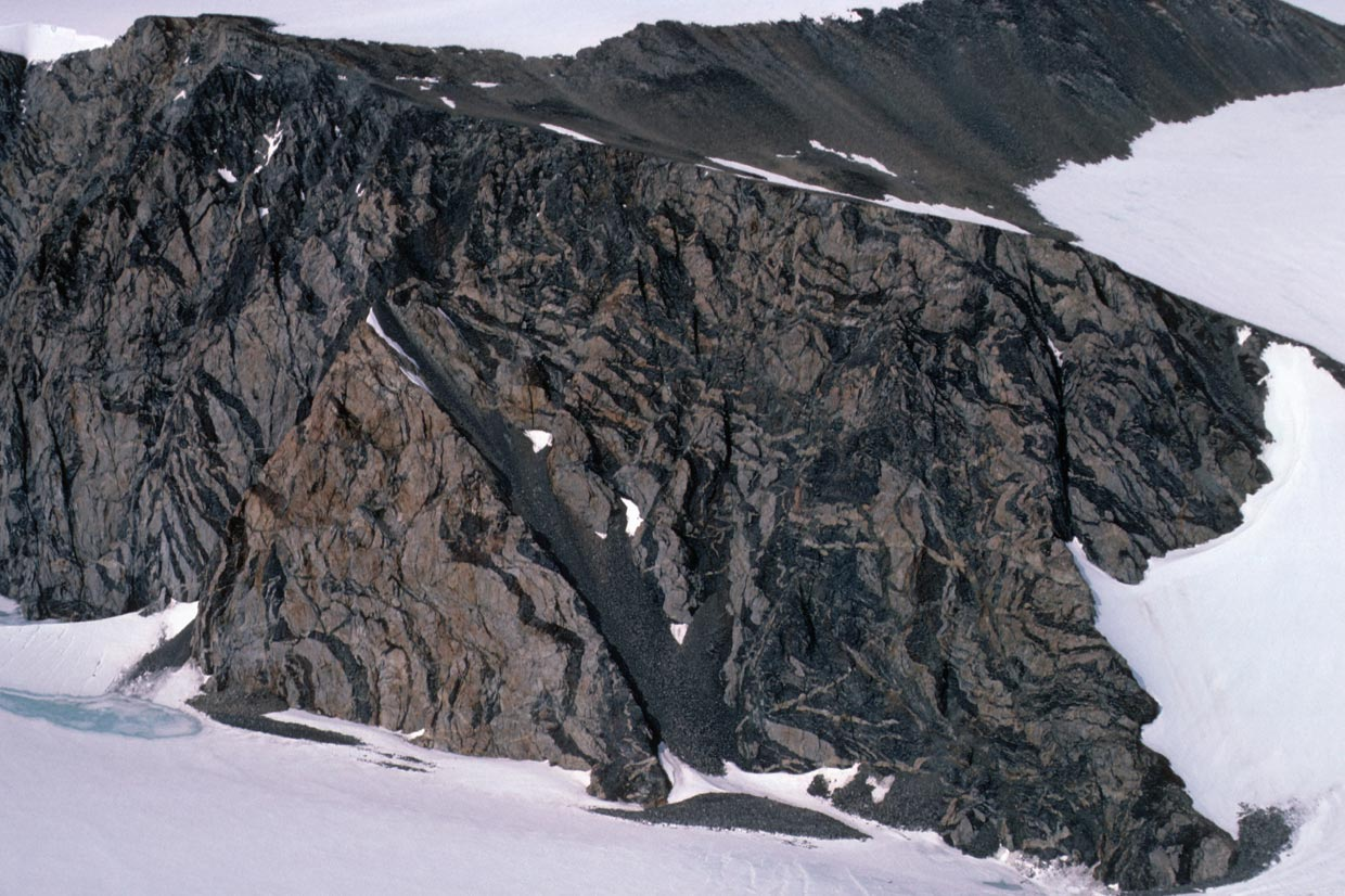 The banded gneiss rocks of Target Hill form some of the oldest rocks of the Antarctic Peninsula at over 400 million years old.