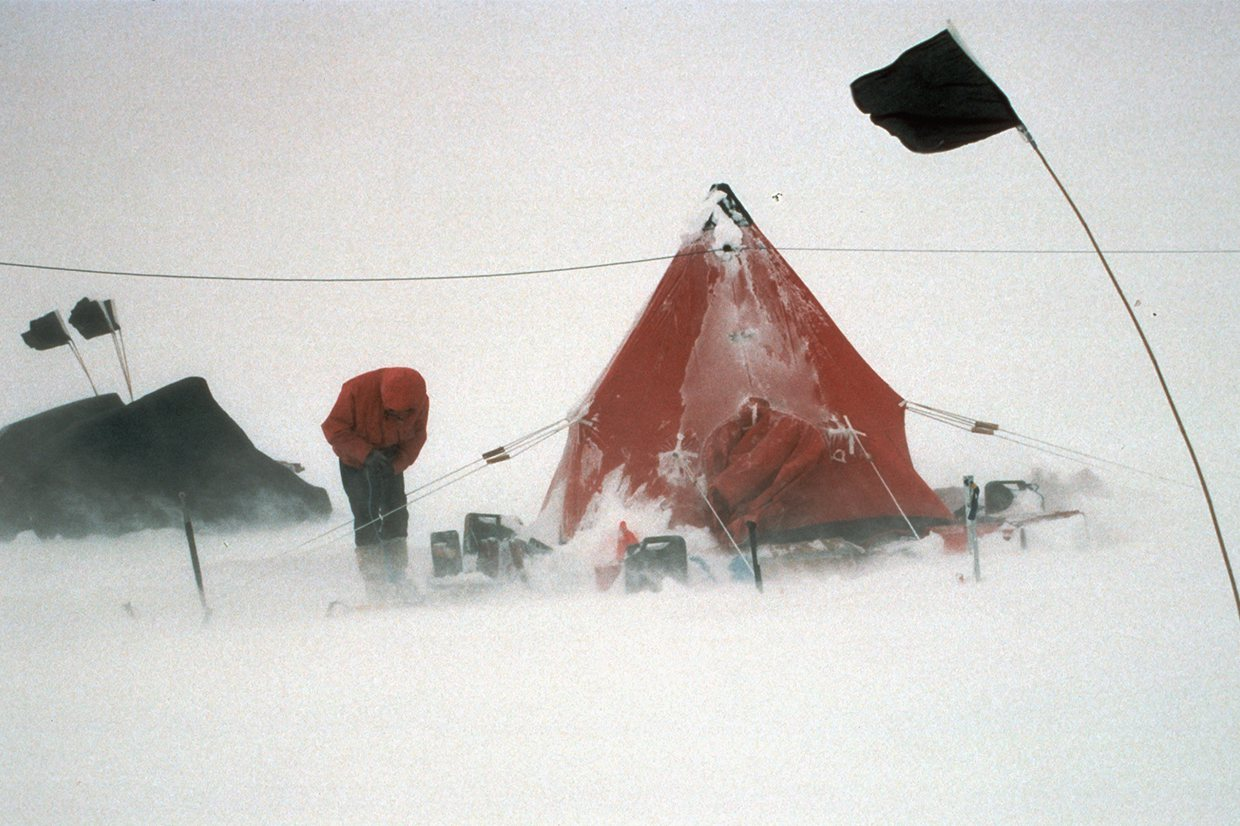 High winds make life difficult at a field camp, Rutford Ice Stream © British Antarctic Survey, David Vaughan