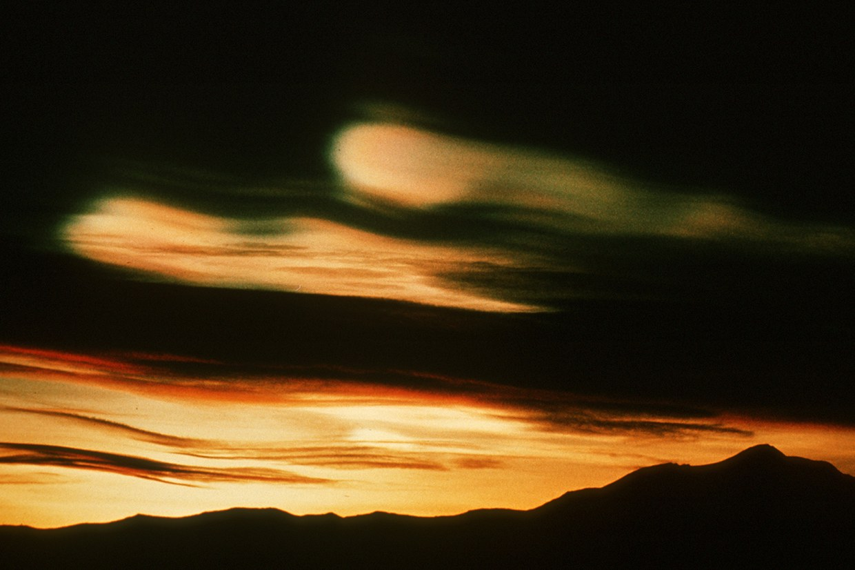 Stratospheric clouds (also called 'mother of pearl' or nacreous clouds) seen after sunset. © British Antarctic Survey, BAS