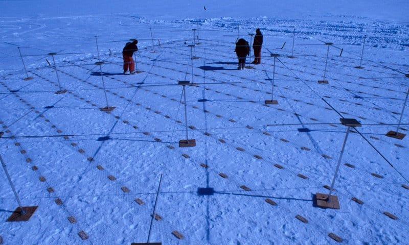 Collecting data on an iceshelf
