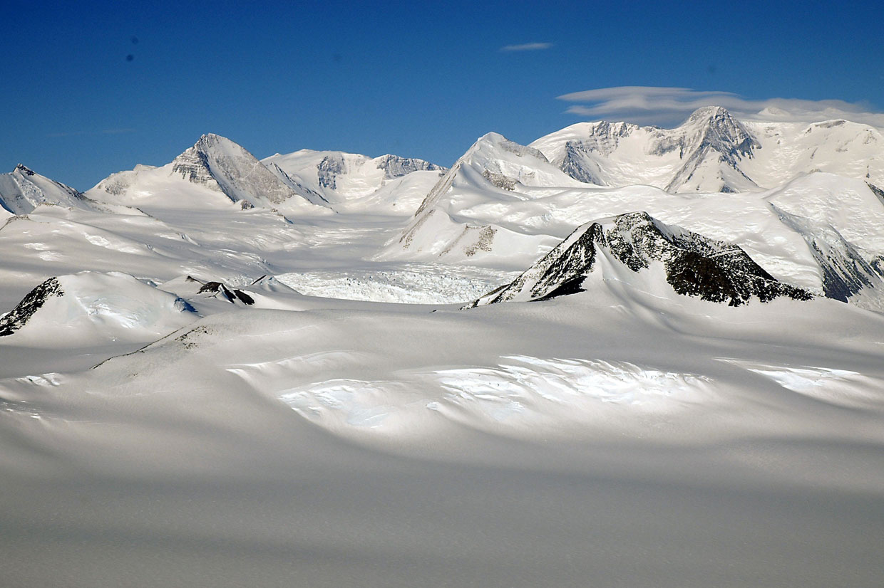 Key Physical Features Discovering Antarctica
