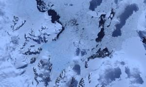 Retreat of Crane Glacier, Antarctic Peninsula © Robert Simmon (NASA Earth Observatory)